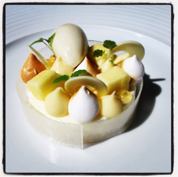 Lemon Mousse - chamomile and meringue