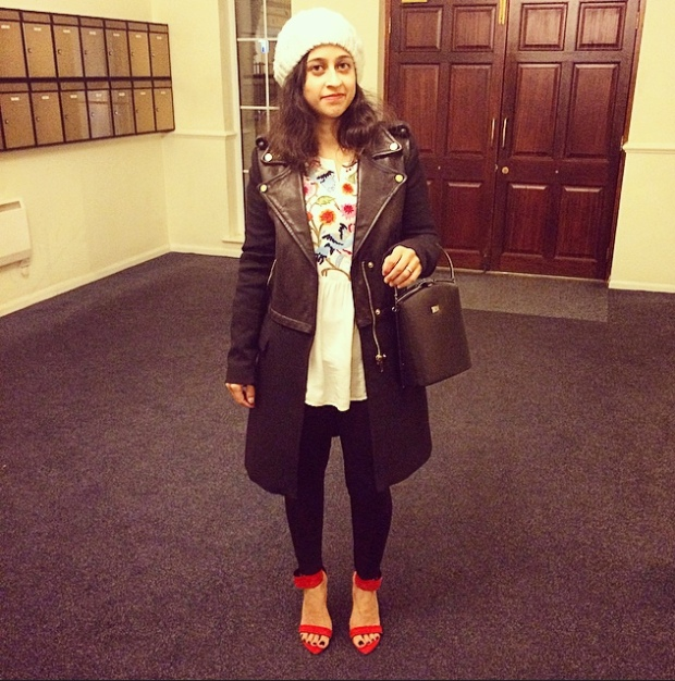 Chemistry Cream Kurta, Zara Black Leggings and Zara Biker Jacket and Coat and Forever 21 White Beret and Structured Black Bag (unknown brand).