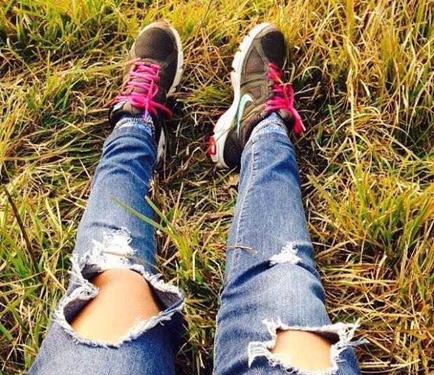 Nike Roshe Fuchsia Pink Sneakers Black